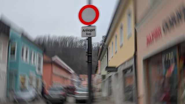 Keine Durchfahrt Ludwigstraße/Taxisstraße, Besucher willkommen!